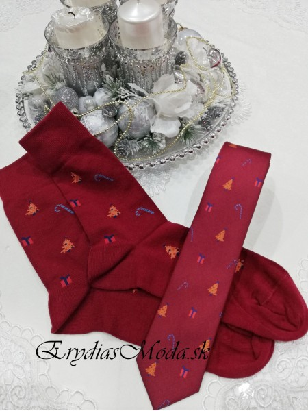 Darčeková sada kravata a ponožky bordová KPB12