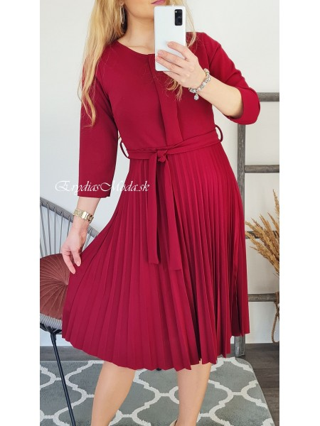 Plisované šaty bordové Week S4429